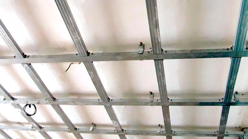 собранный каркас гкл потолка